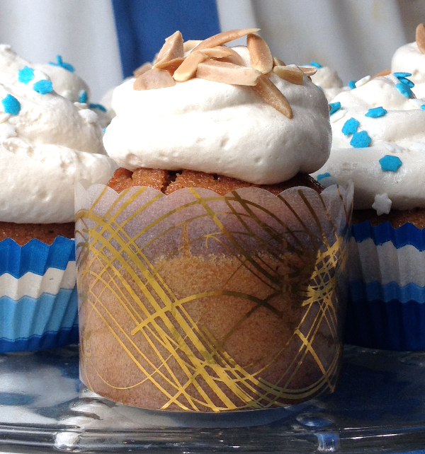 Honey Cupcake with Honey Meringue Frosting